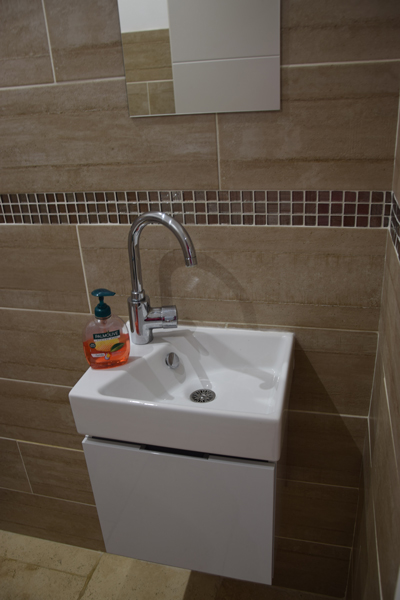 plombier-arles-installation-wc-2